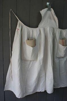 IMG_7078 Linen Apron Dress, Linen Dresses, Pinafore Apron, Coin Couture, Dress Patterns, Apron Patterns, Retro Apron, Textiles, Medieval Clothing