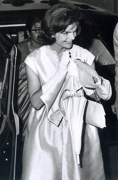 First Lady Jackie Kennedy bidding farewell to Mayor B. Mehra at Agra Station after visiting the Taj Mahal, March, 1962