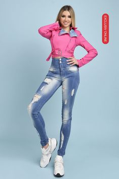 In aceasta jacheta roz cu revere din denim vei atrage cu siguranta privirile din jurul tau. Adapteaza aceasta jacheta in tinutele tale chic de zi cu zi! Casual, Pants, Style, Fashion, Trouser Pants, Swag, Moda, Fashion Styles, Women's Pants