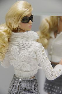 Knit for fashion royalty by gemini Crochet Doll Dress, Crochet Barbie Clothes, Doll Clothes Barbie, Barbie Dress, Knitted Dolls, Barbie Doll, Moda Barbie, Fashion Dolls, Fashion Outfits