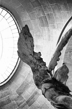 Nike of Samothrace Photo Sculpture, Lion Sculpture, Winged Victory Of Samothrace, The New Colossus, Ancient Greek Sculpture, Beauty In Art, Stunning Wallpapers, Baroque Architecture, Zoom Photo