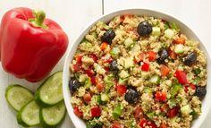 Salade healthy de quinoa aux poivrons et concombres, recette d'une salade d'été fraîche et légère, facile et rapide à réaliser.