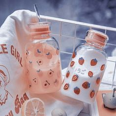 Peach Aesthetic, Korean Aesthetic, Aesthetic Food, Cute Snacks, Cute Desserts, Cute Food, Cute Water Bottles, Drink Bottles, Kawaii Room