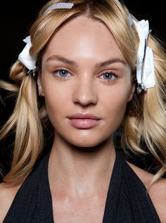 Shared by Models'. Find images and videos about model, Victoria's Secret and candice swanepoel on We Heart It - the app to get lost in what you love. Brazilian Loose Wave, Brazilian Hair, Brazilian Weave, Loose Hairstyles, Indian Hairstyles, Diy Beauté, Body Wave Hair, Malaysian Hair, Peruvian Hair