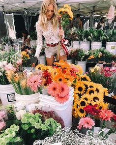 """16k Likes, 143 Comments - Shea Marie (@peaceloveshea) on Instagram: """"""""And if you don't like me I understand, because who would really choose a daisy in a field of…"""""""