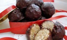 Recept Arašídové kuličky v čokoládě hotové za 10 minut Sweet Desserts, Christmas Candy, Quick Recipes, Desert Recipes, Christmas Cookies, Ham, Cookie Recipes, Sweet Tooth, Deserts