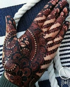 Are you looking for some fascinating design for mehndi? Or need a tutorial to become a perfect mehndi artist? Khafif Mehndi Design, Indian Mehndi Designs, Stylish Mehndi Designs, Wedding Mehndi Designs, Mehndi Design Pictures, Latest Mehndi Designs, Mehndi Designs For Hands, Mehndi Images, Heena Design