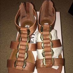 STEVE MADDEN - Cognac leather - size 6.5 NEW STEVE MADDEN - P Grove - Cognac leather - size 6.5 - never been worn Steve Madden Shoes Sandals