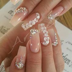 100 Gorgeous Rhinestones Nail Art Designs To Make An Alluring Beautiful Outfits - Ongles 03 Bride Nails, Wedding Nails For Bride, Bling Wedding Nails, Wedding Cake, 3d Nail Designs, Acrylic Nail Designs, Best Acrylic Nails, Cute Acrylic Nails, Hawaiian Nails