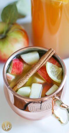 Apple Pie Sangria recipe - fall cocktail recipe entertaining ideas