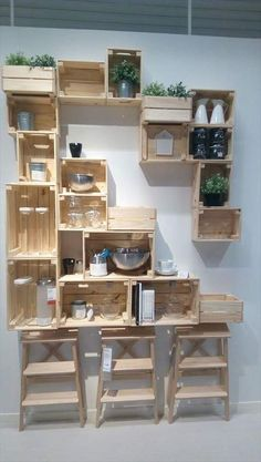 20 Excellent Pallet Furniture Projects | 101 Pallets - Part 2 - Pallet Crate Shelves Unit - So You can even mix them with pallet for more tangible fixing in the frame!
