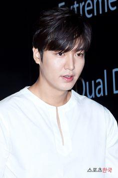 2016 July 25   Monday   #ActorLeeMinHo #LeeMinHo   Attend Movie VIP Premier   Incheon Operation Chromite    [http://m.hankooki.com/m_sp_view.php?WM=sp&FILE_NO=c3AyMDE2MDcyNTIzMDE1OTEzNjczMC5odG0=&ref=m.search.naver.com] 이민호, 국보급 비주얼     #Korea NEWS    hankooki    25 July 2016 (Monday) @ 23:01:59 hours   THIS Post: 25 July 2016 (Monday)