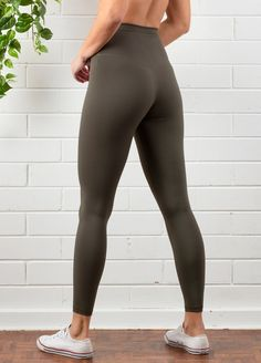 QueenBee® - Aura Postnatal Active Leggings in Olive Post Pregnancy Fashion, Maternity Fashion, Maternity Pads, Nissan Patrol, Nursing Pads, Range Of Motion, Short Tops, Queen Bees, Comfortable Fashion