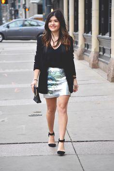 Denver fashion blogger. Outfit inspiration for Saint Valentine's. #fashion #fashionblogger #styleblog #style #miniskirt #blackblazer #styleblog #styleblogger #blogger