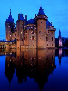 Castle de Haar -  the largest and most luxurious castle of the Netherlands and is located near Haarzuilens in Utrecht.