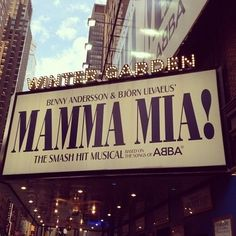 totally sung & danced along when i went to this Broadway musical! Musical Theatre Broadway, Broadway Shows, Broadway Plays, Irving Berlin, Shows In Nyc, Theatre Nerds, Disney Music, Film Books, Mamma Mia