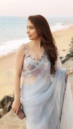 Indian outfit ❤️ always rock Saree Blouse Neck Designs, Saree Blouse Patterns, Saree Designs Party Wear, Party Wear Sarees, Trendy Sarees, Stylish Sarees, Saree Draping Styles, Saree Styles, Dress Indian Style