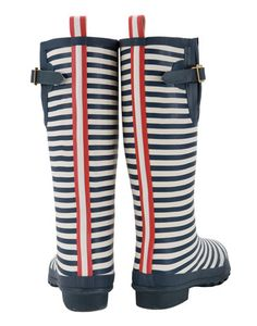 WELLY PRINT Womens Printed Wellies from Joules. More to come this fall! Red Wellies, Joules Wellies, Nautical Fashion, Nautical Style, British Style, Hunter Boots, Fashion Boots, Me Too Shoes, Shoes