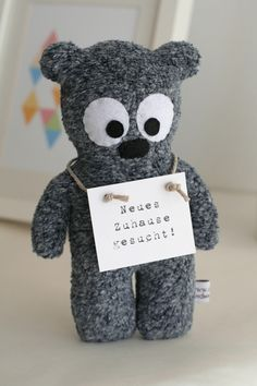 Das ist der kleine Bruder von Bernd. Er ist ca. 20 cm groß und genauso süß wie der Große ;-)    Bernd ist ein liebevoller und hilfsbereiter kleiner...
