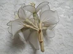 Afbeeldingsresultaat voor corsage maken van stof Flower Crafts, Corsage, Vegetables, Flowers, Vegetable Recipes, Royal Icing Flowers, Flower, Florals, Veggies