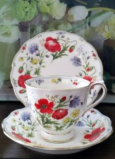 """Royal Albert """"Autumns Hope"""" Bone china England Cup Saucer and plate with Gold Gilt Vintage Cups, Vintage Dishes, Vintage Tea, China Cups And Saucers, China Tea Cups, Royal Albert, Cup And Saucer Set, Tea Cup Saucer, Fancy Tea Cups"""