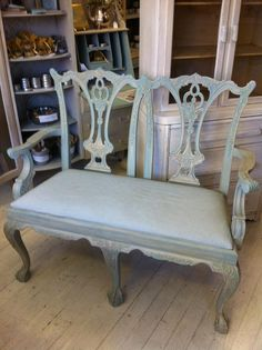Chippendale Settee in Aqua Gilt Local Pickup Georgian Furniture, Vintage Furniture, Outdoor Furniture, Outdoor Decor, Sillas Chippendale, Furniture Styles, Furniture Design, Blue Grey, Gray