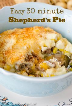 Moms quick and easy 30 minute Shepherds Pie - Four Generations One Roof quick dinner recipes I Love Food, Good Food, Yummy Food, Pinchos Caprese, Beef Recipes, Cooking Recipes, Broccoli Recipes, Apple Recipes, Gastronomia