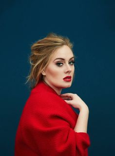 Adele com look vermelho. VISIT FOR MORE Adele com look vermelho. The post Adele com look vermelho. appeared first on Celebrities. Time Magazine, Magazine Covers, Pretty People, Beautiful People, Beautiful Voice, Beautiful Images, Divas, Portrait Photos, Beauty And Fashion
