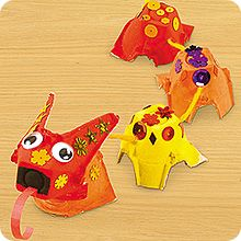 kids craft chinese dragon with egg carton cups-I think I just threw an egg carton away. New Year's Crafts, Arts And Crafts Projects, Projects For Kids, Crafts For Kids, Abc Crafts, Chinese New Year Activities, New Years Activities, Activities For Kids, Chinese New Year Dragon