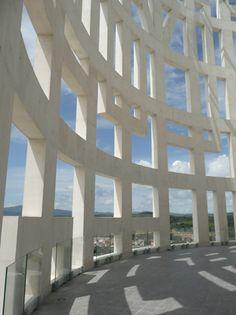 'Torres de Herkules' by Rafael de la Hoz Architects