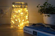 Un barattolo di luci per Natale.