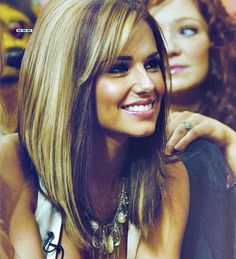 long inverted bob hairstyles for round face