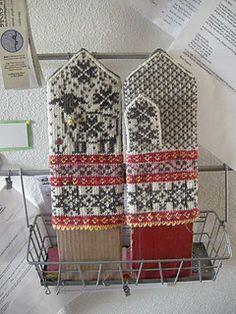 Stricken Selbu-Baaa-Ter pattern by Mary Scott Huff, Crochet Mittens, Mittens Pattern, Fingerless Mittens, Knitted Gloves, Knitting Charts, Knitting Socks, Hand Knitting, Knitting Patterns, Knitting Designs