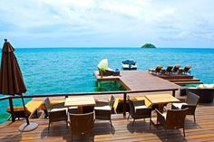 Deck y muelle del restaurante