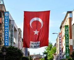 Devriye Haber : Bayrağa 'Sıkıyorsa Gel İndir' Yazdılar