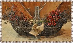 A Marvelous Mess and Natural Thanksgiving Centerpieces Thanksgiving Table Centerpieces, Fall Forward, Egg Basket, Wire Baskets, Holiday Crafts, Decorating Ideas, Antique, Nature, Plants