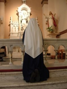 Sisters of Mary, Mother of the Church, Adoration This is beautiful and makes me want to cry out sheer joy! Nuns Habits, Spiritual Pictures, Bride Of Christ, Les Religions, Girl Inspiration, Roman Catholic, Holy Spirit, Modest Fashion, Christianity