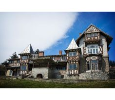 Vila Take Ionescu din Sinaia Beautiful Homes, Mansions, Terra, House Styles, Houses, Places, House Of Beauty, Homes, Villas