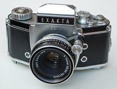 Exakta Varex IIb 35mm SLR Camera & Zeiss Tessar 50mm F2.8