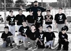 Mama Vision Photography #littleleague #baseball DIY photography  Team picture ideas