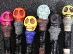 Boneheads Roach Clips & Bracelet Assistants are handmade, wrapped in hemp and feature a colourful skull, and a black leather wrap on the handle. It's also a great help when fastening your bracelet! Approx. 4.5 inches long.