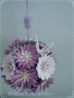 Móbile bola flor de papel