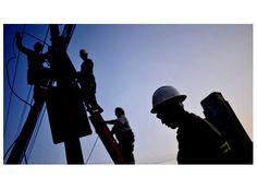 Procon alerta sobre danos causados por queda de energia http://www.passosmgonline.com/index.php/2014-01-22-23-07-47/geral/3773-procon-alerta-sobre-danos-causados-por-queda-de-energia