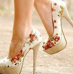 Increibles zapatos de moda que cada mujer debería tener