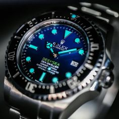 """Rolex Deepsea Sea-Dweller D-Blue foto Amazing Watches, Beautiful Watches, Rolex Watches For Men, Sport Watches, Dream Watches, Luxury Watches, Patek Philippe, Audemars Piguet, Mens Designer Watches"