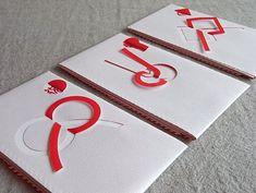 size:祝儀袋:465×326mm 封筒:182×107mm 短冊:169×85mm1枚の紙から「抜きと折り」で水引を表現した祝儀袋。現代的でシンプルな表情の中に、日本の伝統的な様式美がしっかりと息づくデザイン。堅苦しくなりがちな