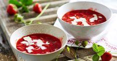 Du ved med sikkerhed, at sommeren er på sit højeste, når der serveres lækker jordbærgrød med mælk eller fløde. Du kan lave dejlig hjemmelavet frugtgrød af stort set alle bær. Mums...!