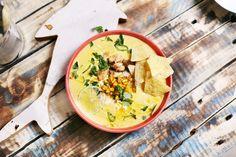 Ha eddig azt gondoltátok, hogy ettetek már jó kukoricakrémlevest, akkor még nem próbáltátok ezt a receptet! Nagyon fűszeres, nagyon sajtos és krémes, na meg hogy teljesen meglegyen a mexikói ízvilág, még jalapeno és tortilla chips is került rá.