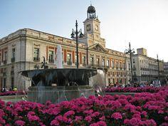 Puerta del sol Madrid. Ese reloj da las campanadas de Fin de Año.