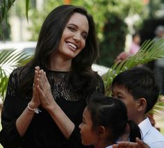 Angelina Jolie: Amo vedere mia figlia Shiloh in giacca e